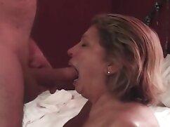 Chica eyacula con su cogiendo a la señora juguete sexual favorito