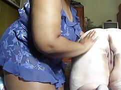 La directora montó una orgía en su oficina señora cojiendo con perro