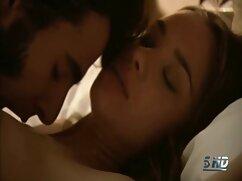 Hermosa pareja tiene sexo caliente en su cogiendo señora casada habitación