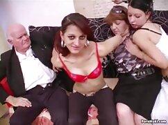 Adolescente delgada cogiendo señora caliente muestra gran porno gonzo