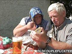 Madre cojiendo a senora casada e hija