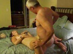El jefe plantó una secretaria sensual entre señora cojiendo con caballo los rollos